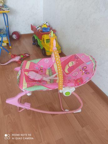 Шезлонг качалка для детей