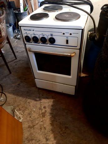 Электрическая  плита б/у...с кабелем 3м +вилка с розеткой...10.000тг.