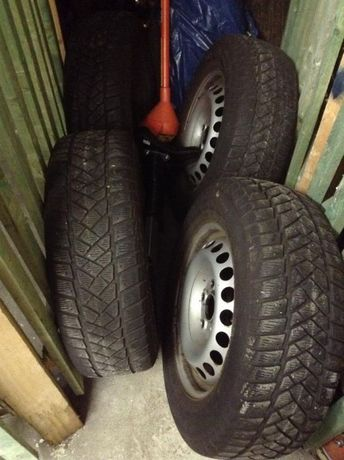 Dunlop 215/65R16C с ориг.джанти 7H0601027C от VW транспортерT5