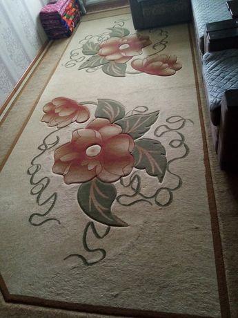 Срочно продам качественный, шерстяной ковёр, почти новый, чистый!