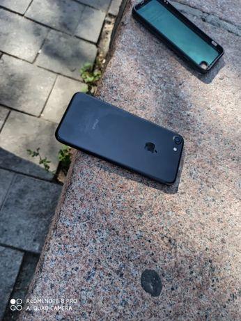 Продам Iphone 7 оригинал
