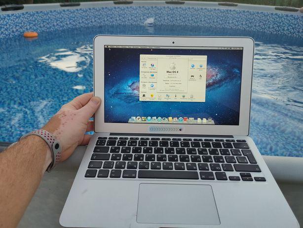 Macbook (Apple) Air 11, 2011 -  i5 256Gb заряд держит