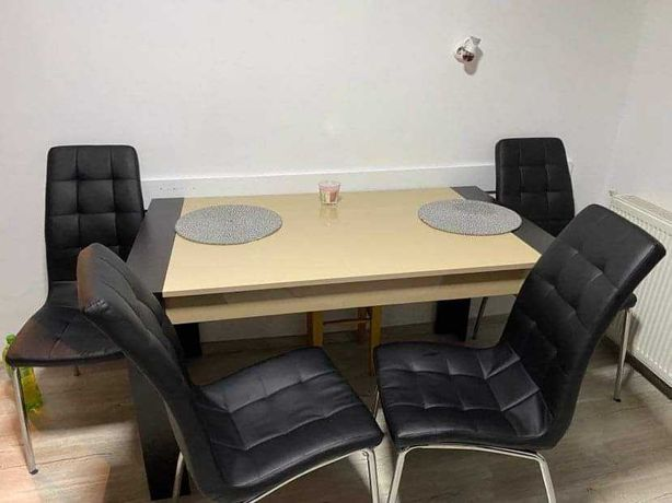 Masa cu 4 scaune piele
