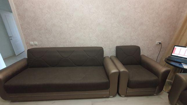 Мягкий уголок ( диван и 2 кресла )