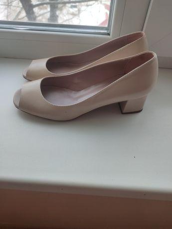 Продам новые кожаные туфли 35 размера, Италия