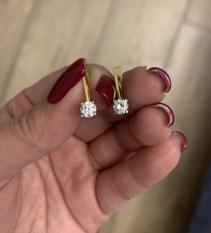 Золотые серьги с бриллиантами 750 проба