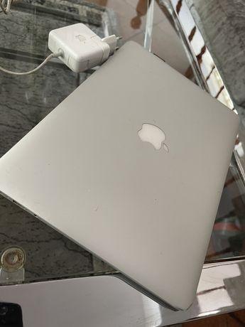 McBook Air 13 inch
