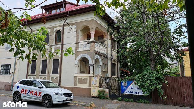 Vanzare vila cu 6 camere in zona Mihalache - Titulescu
