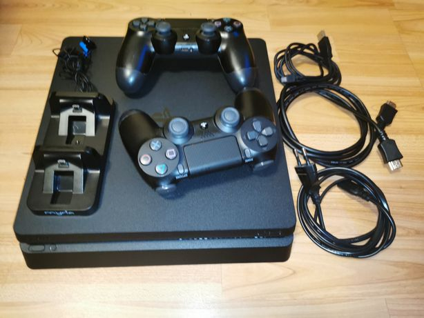 PS4 Slim 1TB + 2 controllere + 15 jocuri