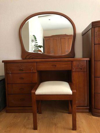 Срочно продам спальный гарнитур (8 наименований), возможен торг