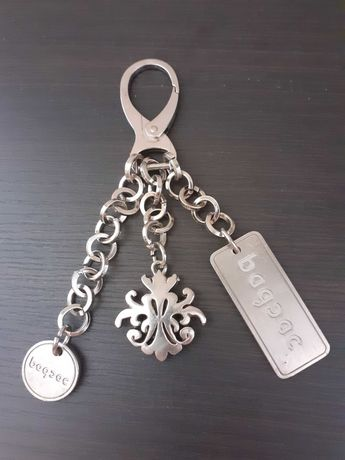 Ключодържател с три висулки-085