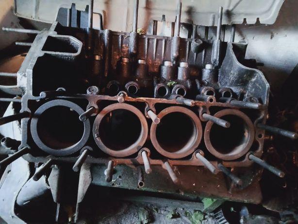 Блок двигателя газ 53,головку на УАЗ , паук,диски газ 53,кожух заднего