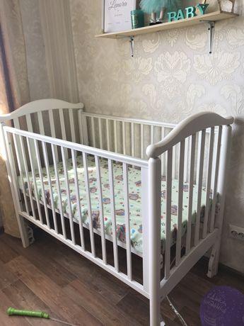 продам детскую кроватку с матрасом!