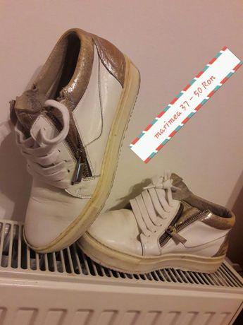 OFERTA!!!Adidasi albi marimea 37