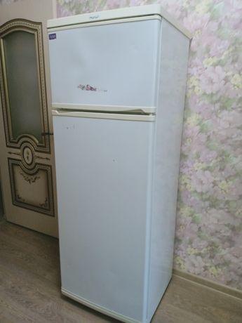Холодильник б/у в хорошом состояние