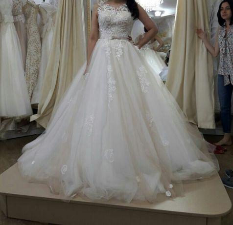 cвадебное платье шикарное 42 размер
