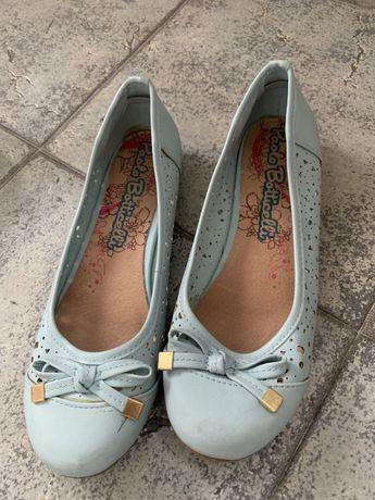 Обувки балеринки