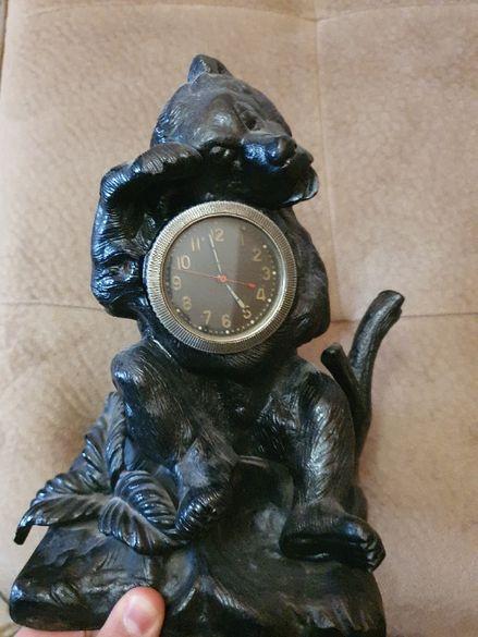 Стар чугунен часовник Касли