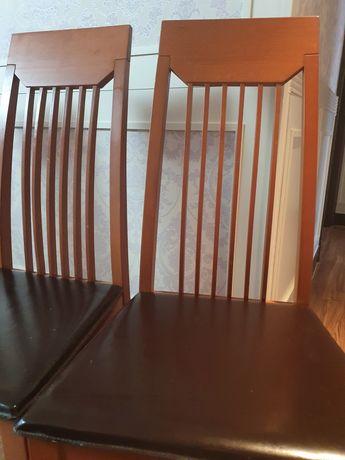 Продам 4 кожаных стула. Производство Италия