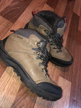Продам подростковую зимнюю обувь р 38