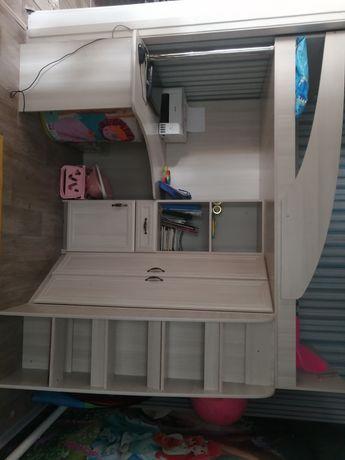 Продам детский(подростковый) спальный гарнитур