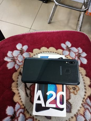 Samsung galaxy A20 32G Ram 3 4G LTE 4000 mah Battery доставка есть