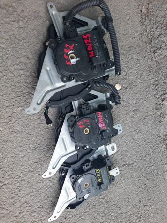 Сервопривод моторчик печки заслонка Lexus  rx 330 350 mcu30