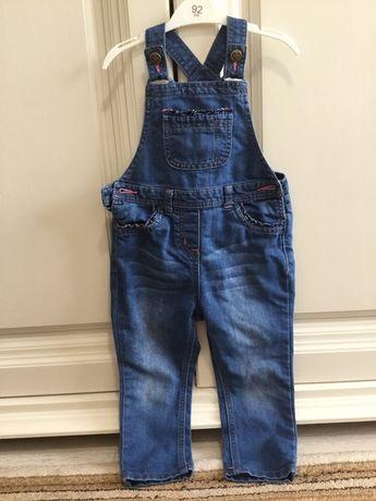 Salopeta blugi pantaloni cu bretele. Marimea 92/98 Geroge (2-3 ani)