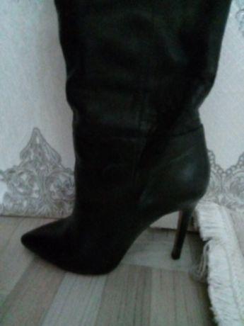 Продам осенние кожаные сапоги