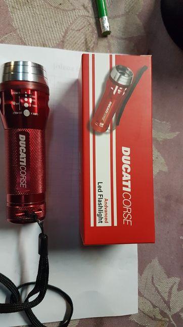 Vand lanterna Ducati