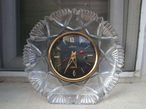 Стар руски, съветски часовник ''Маяк'' стъкло