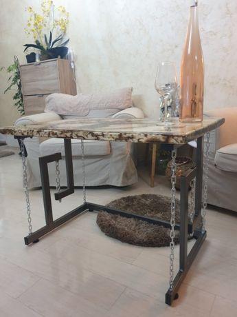 Masa masuta cafea din lemn îmbrăcat în rasina epoxidica