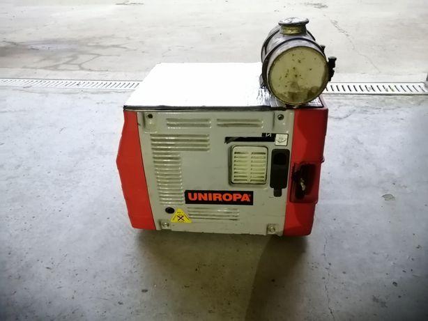 Generator 1200 W  pramac, motor Honda