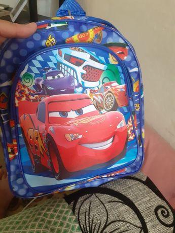 Новый портфель для маленьких