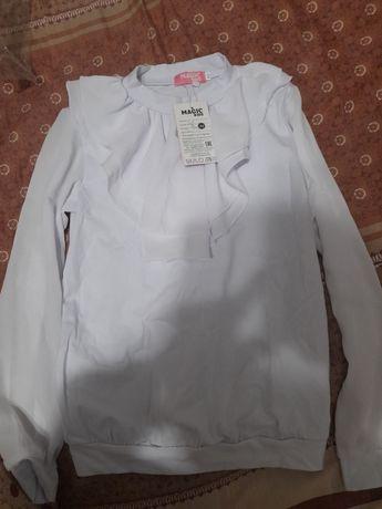 Продам школьную блузку
