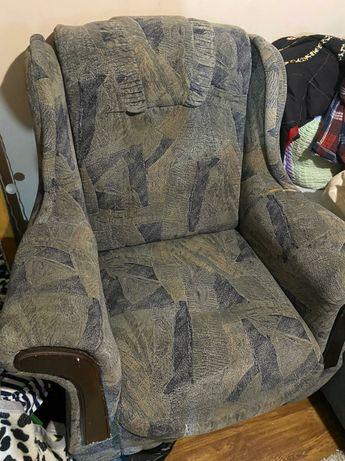 Кресло в отличном состоянии есть 2шт кресла Алматы Дешего
