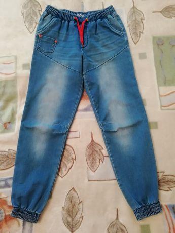 Продам джинсы, шорты.