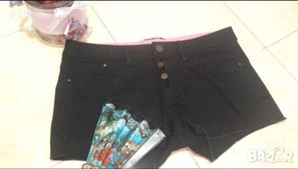 Черни къси панталони