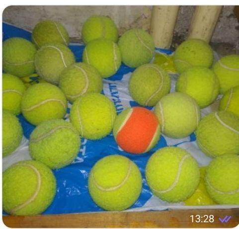 топки за тенис на корт
