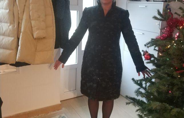 Palton gri cu negru