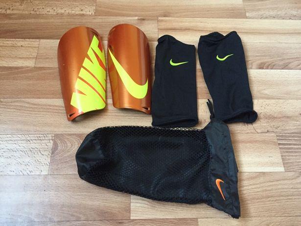 Продам футбольные щитки Nike original L