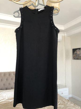 Черное платье Манго
