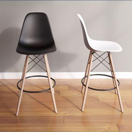 Барные стулья (черный и белый)