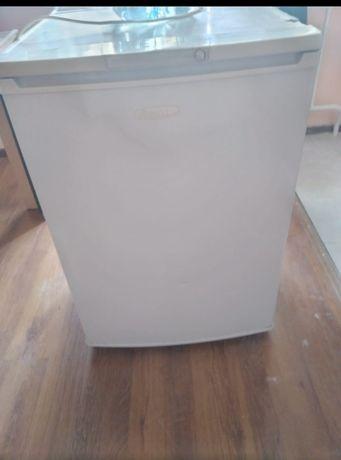 Холодильник в хорошем состоянии!!