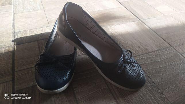 Обувь для девочки 35-36 размер