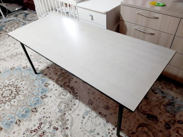 Продам новый стол