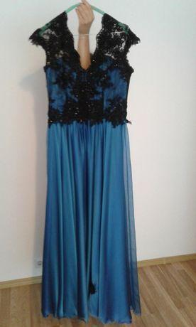 vând rochie de ocazie superbă