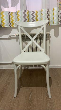 Продам стульчик для кухни