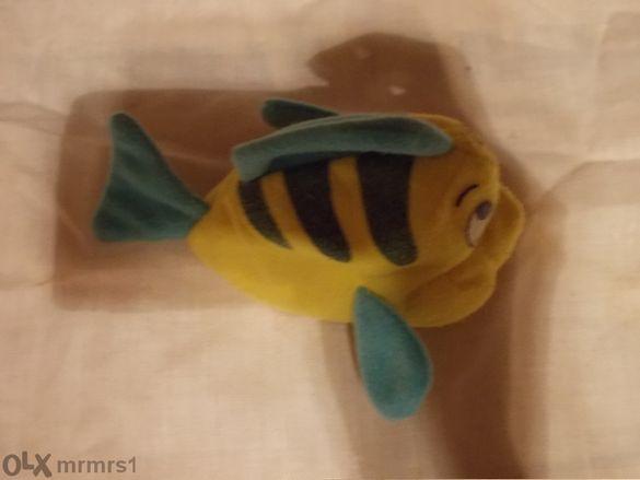 Рибка, мека играчка.