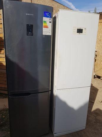 Срочно продам рабочий холодильник самсунг и LG  70000т